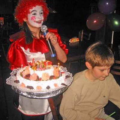 Веселый день рождения с помпушкой и